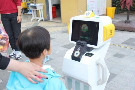 红宝识晨检机器人-儿童非接触晨检机器人-无接触晨检机器人功能