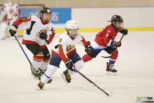 学区队首战东城区第二届中小学生冰球联赛