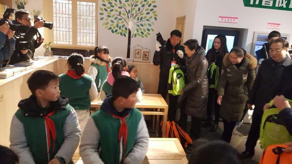 江苏省首家青少年24小时自助图书馆建成