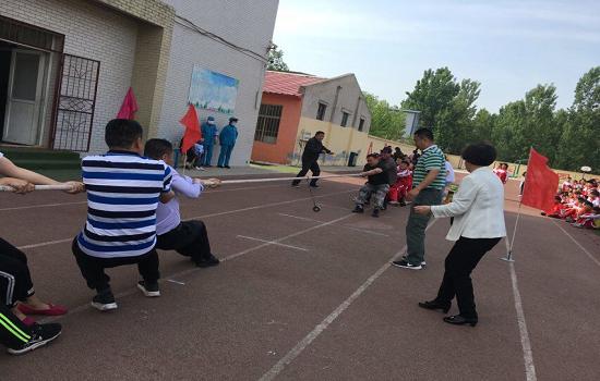 高新区南郭而小学开展体育节活动