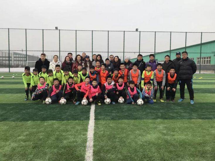 保定市教育局组织所辖各校体育教师考察