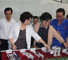 陈小娅副部长赴新疆高校调研国家级重点实验室