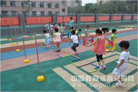 田联阳光少儿趣味田径:游戏中的体育