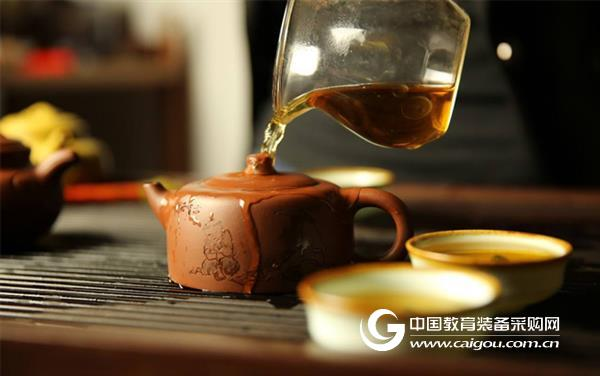 喝茶改变女性癌症和激素代谢相关基因表达