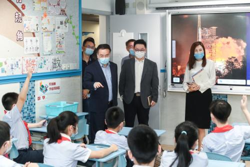 戴森通過上海市教委向六所中小學捐贈空氣凈化風扇,為學生返校保駕護航